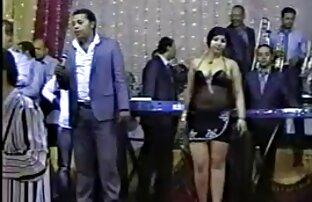 महिला एक काले आदमी का कठोर सेक्सी पिक्चर मूवी चाहिए लिंग लेती है ।
