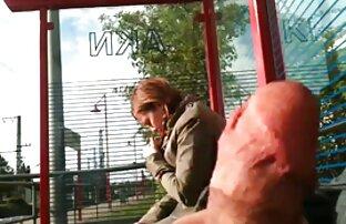 में दो छेद में एक मूवी सेक्सी फिल्म वीडियो में बार में एक समूह