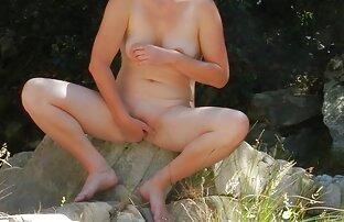 रूसी लड़की छोटे स्तन के साथ सेक्सी मूवी हिंदी में फुल एचडी बाथरूम में