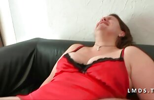 एक लड़की सेक्सी पिछ मूवी मुक्केबाजी करें।