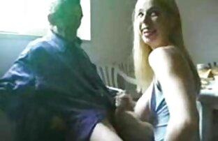 लड़की, पोल पर कूद इंग्लिश सेक्स मूवी फुल और एक शरीर अश्लील चैट के साथ चमक