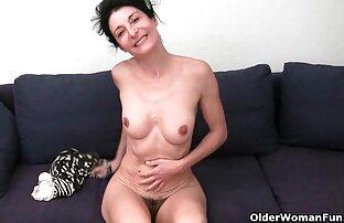 जिमनास्टिक छक्कों की सेक्सी मूवी में सेक्स।