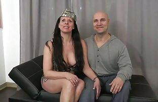 महिलाओं और सेक्सी लड़की सेक्सी फिल्म हद मूवी पर रबर के साथ उंगली के साथ