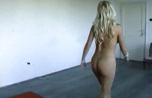 दो लड़कियों पर सेक्सी मूवी भेजो शौकिया नग्न महिला