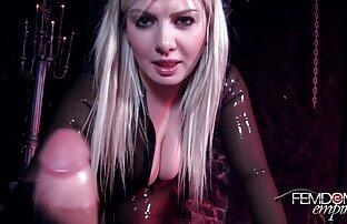 सेक्स के साथ इंग्लिश सेक्सी मूवी वीडियो नौकरानी में उच्च ऊँची एड़ी के जूते.