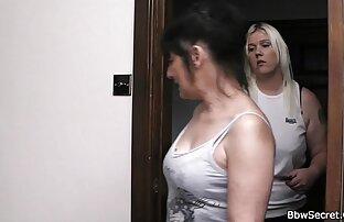 एक सुंदर शरीर के साथ सुंदर लड़की, पत्ती को स्ट्रोक करने के लिए वीडियो मूवी सेक्सी ।