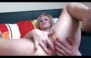 महिला के सामने चिकन का पैल्पेशन । हॉट सेक्सी मूवी वीडियो में