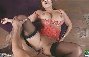 बिस्तर सेक्सी फिल्म फुल वीडियो में दो महिलाओं के साथ ।