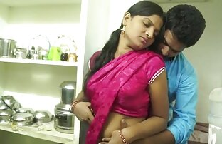 उसके साथ तीन हिंदी पिक्चर सेक्सी मूवी एचडी कोच थे ।